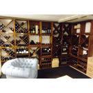 Gemütliches Chillen im Keller mit einem Gläschen Wein: Genuss pur