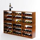 Ein schönes und elegantes Weinregal aus Holz: 6 Regale Kabinett sind hier einfach aufeinander gestapelt worden