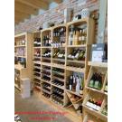 """Der Landladen """"De Plantage"""" in Kruiningen verkauft vielerlei Köstlichkeiten und natürlich auch Weine aus den Weinregalen der Serie Kabinett."""
